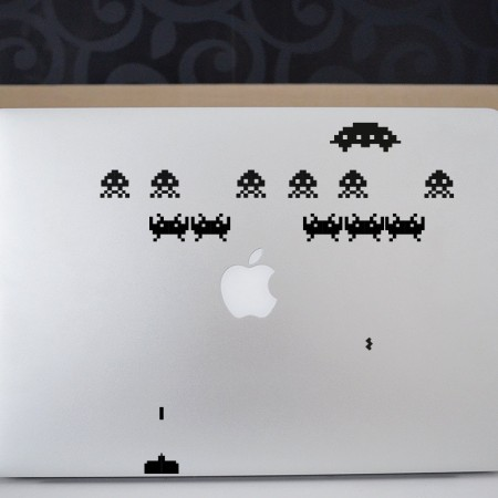 space_invaders_laptop
